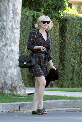 Hollywood Celebrities and their Sandals Lookbook
