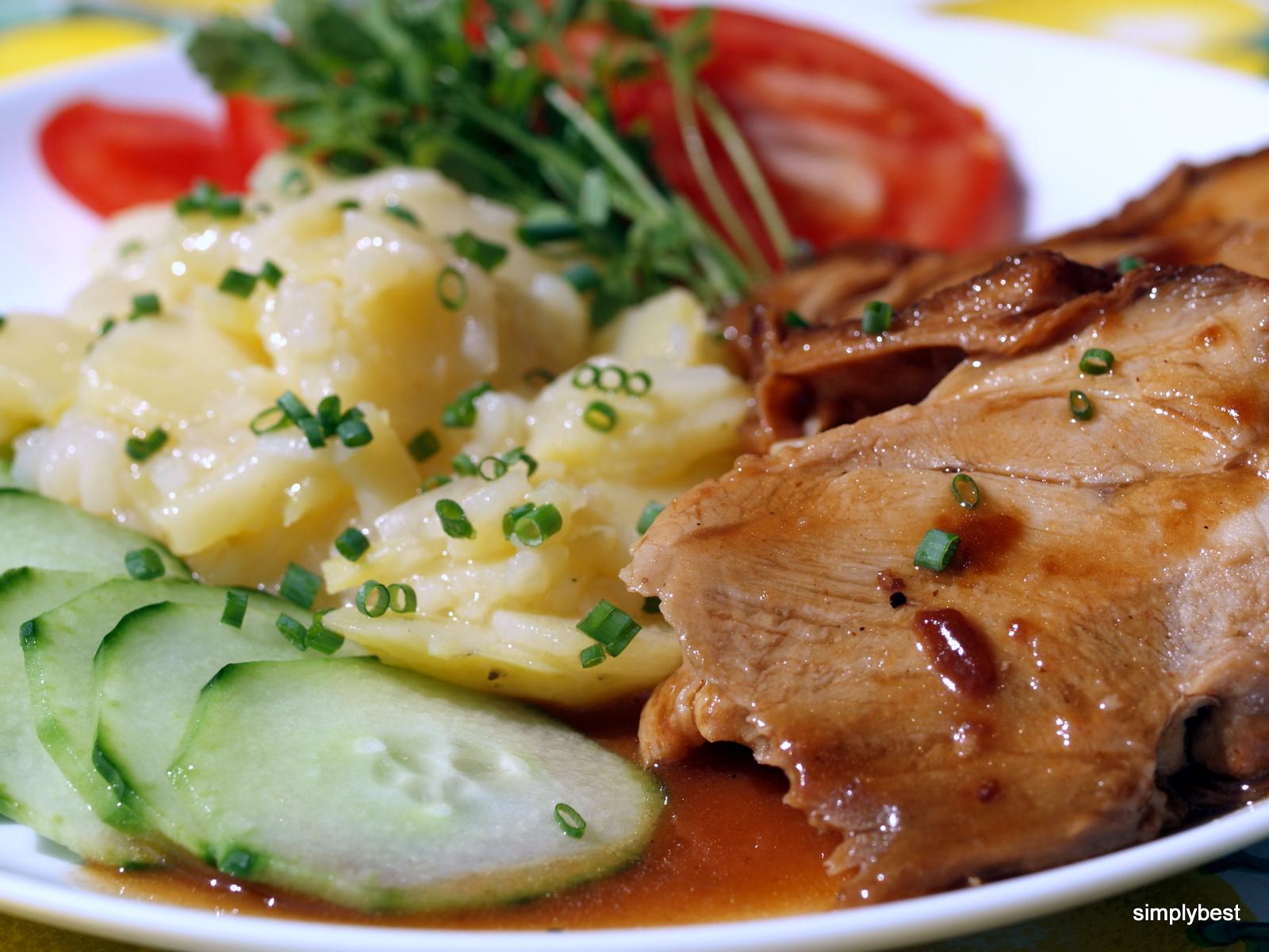 In Schwäbisch (dialect) - Schwoibrade mid kardoffl salad )