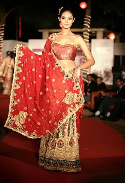 Wedding dress for indian bride for Indian wedding dresses for guests