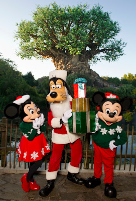 Mickey+Minnie+Goofy+gifts The Perfect Disney Gift