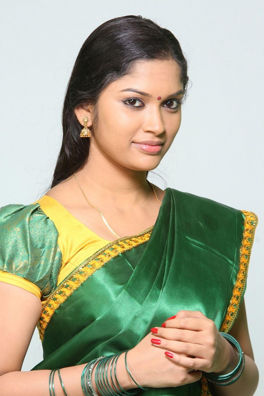 Tamil Hot Actress Hot Photos: Priyanka Trivedi (Tamil Hot