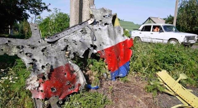 Mảnh vỡ máy bay MH17