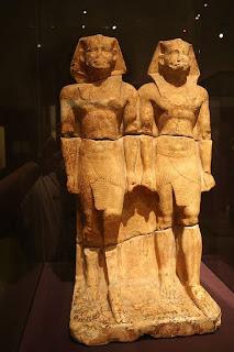 تمثال مزدوج للملك نى وسر رع بمتحف ميونخ بالمانيا
