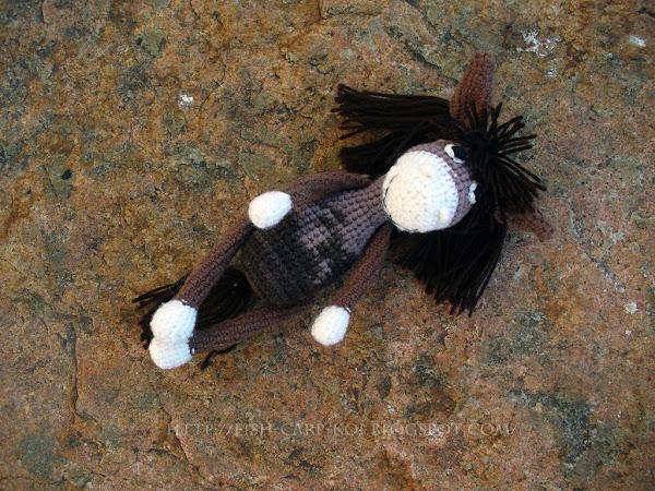 Моисей - лошадка - игрушка крючком