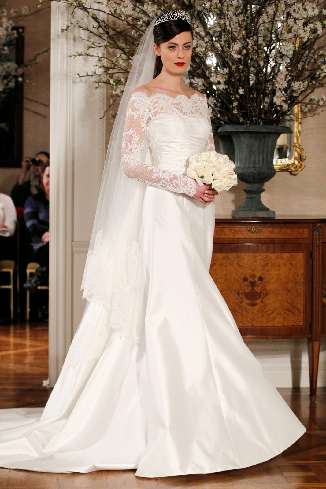 Ivanka Trump S Regal Gown Was The Essence Of Feminine Beauty And Even Vera Commented On What A Pleasure It To See Bride Wear Clic With