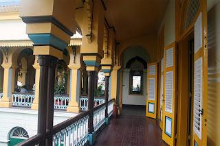 Istana Maimun penghuni medan lorong atas