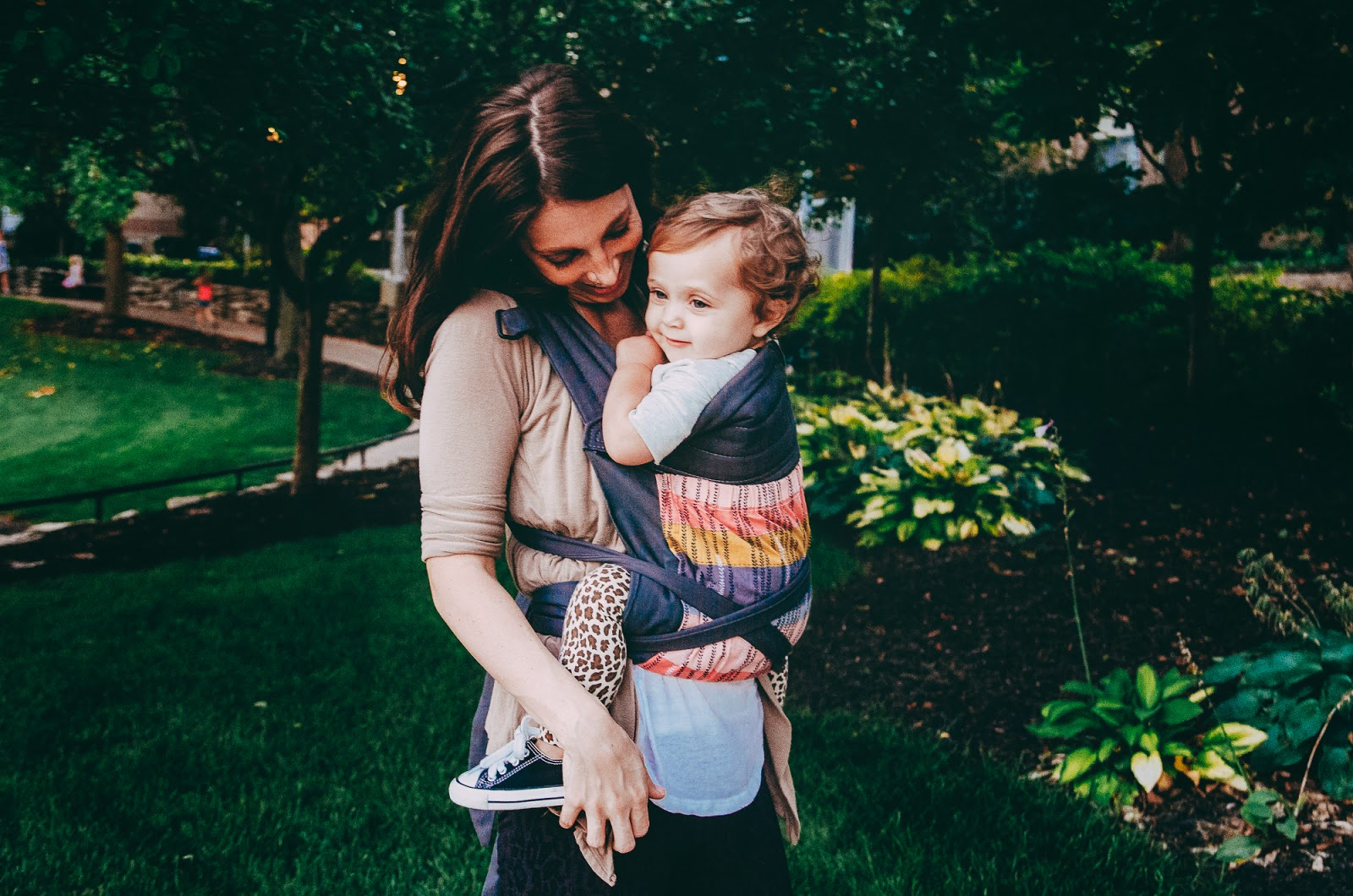 babywearing at indianapolis family session