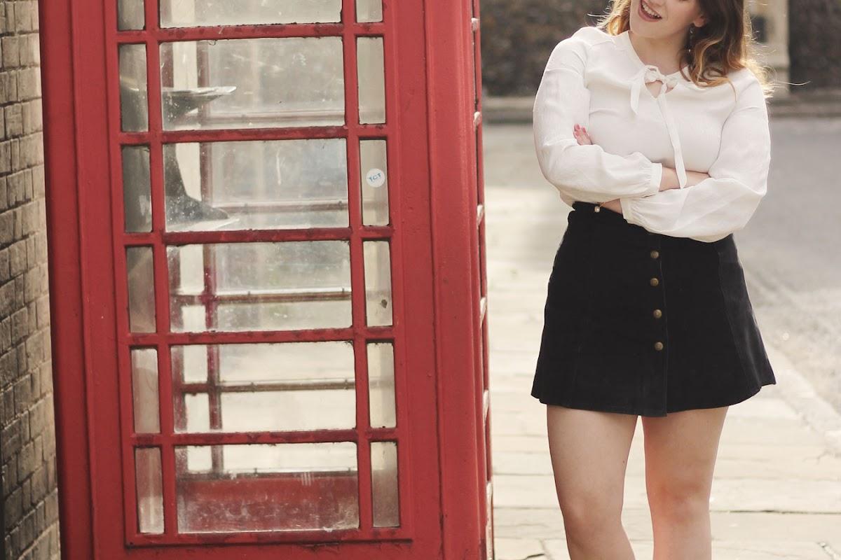 vintage suede skirt blogger