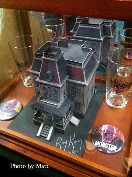 Haunted dimensions by ray keim old house on the hill at monsterpalooza - House on the hill 2012 ...