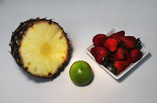 piña con fresas