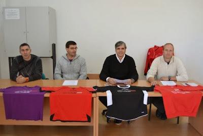 http://www.zamoranews.com/index.php/deportes-zamora/item/1144-nace-el-balonmano-la-muralla