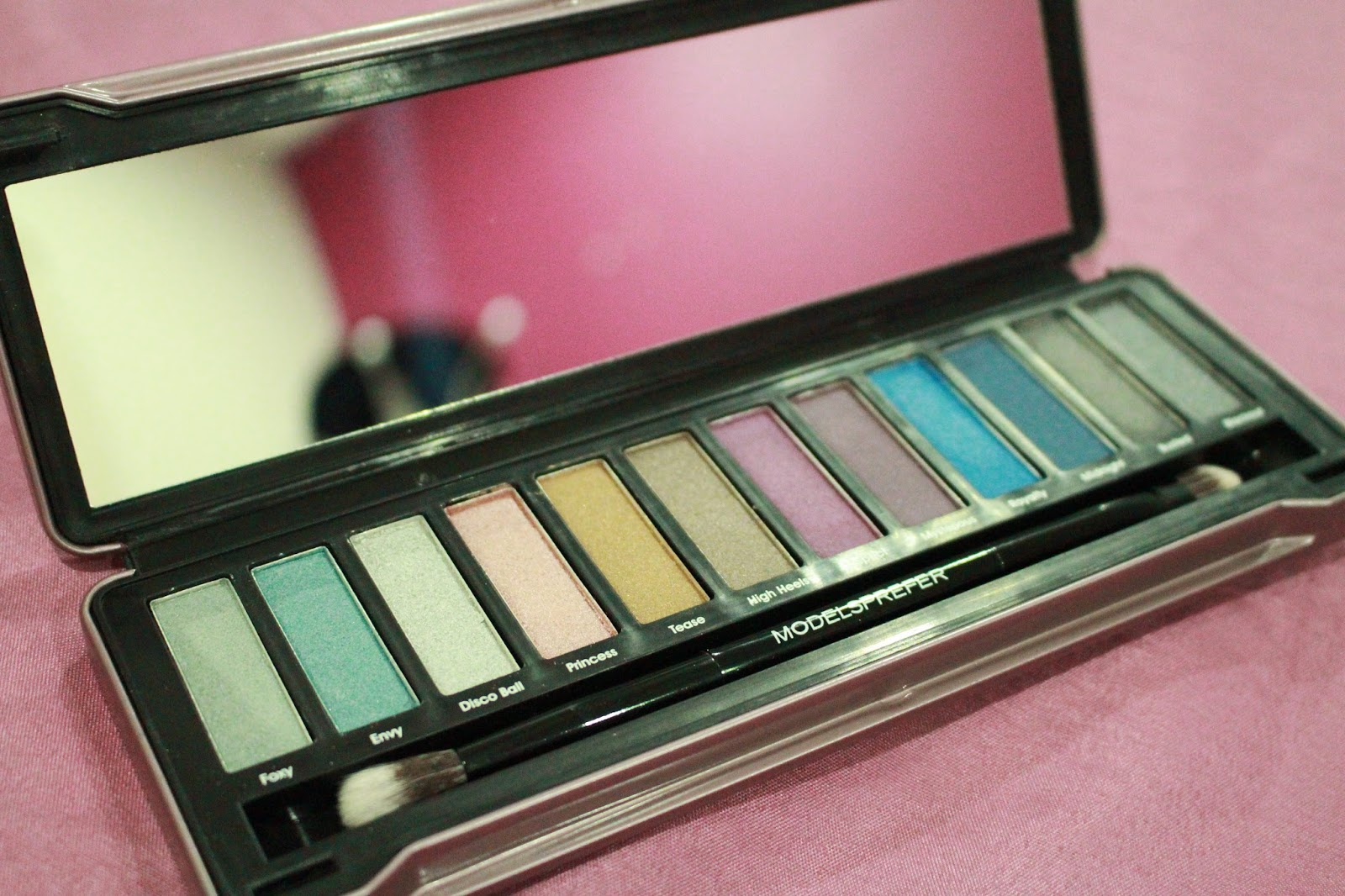 Models Prefer Limited Edition 'Shadows' Holiday Palettes 2014 (Party Glam)