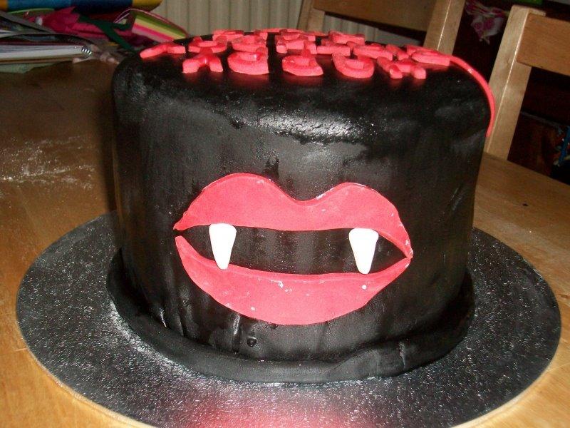 Tvdestinies Vampire Diaries Inspired Cakes