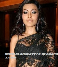 SLEEVE LESS BLACK LACE SAREE