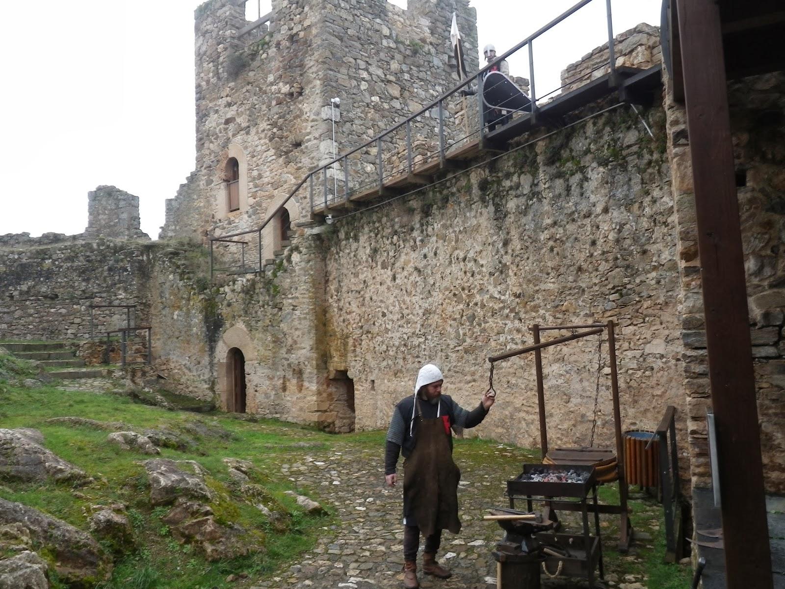 Interior Castillo de Cornatel