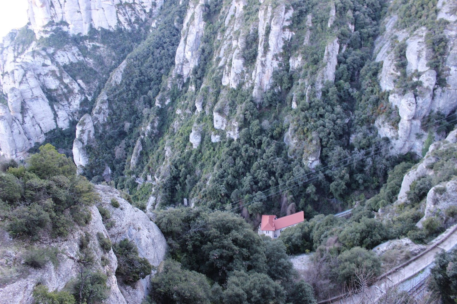how to go to montserrat monastery from barcelona
