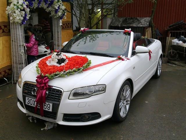 Cho thuê xe cưới màu trắng Audi A4 mui trần