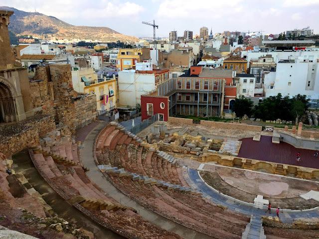 Hiszpańska Cartagena + militarny bonus.