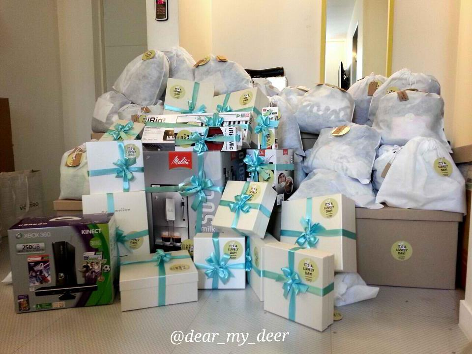Birthday Gifts For Luhan From Dear My Deer Source Weibo U 2831647900