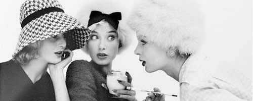 chicas vintage hablando