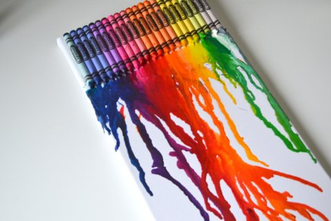 DIY | Easy Canvas Art Melted Crayola Crayons