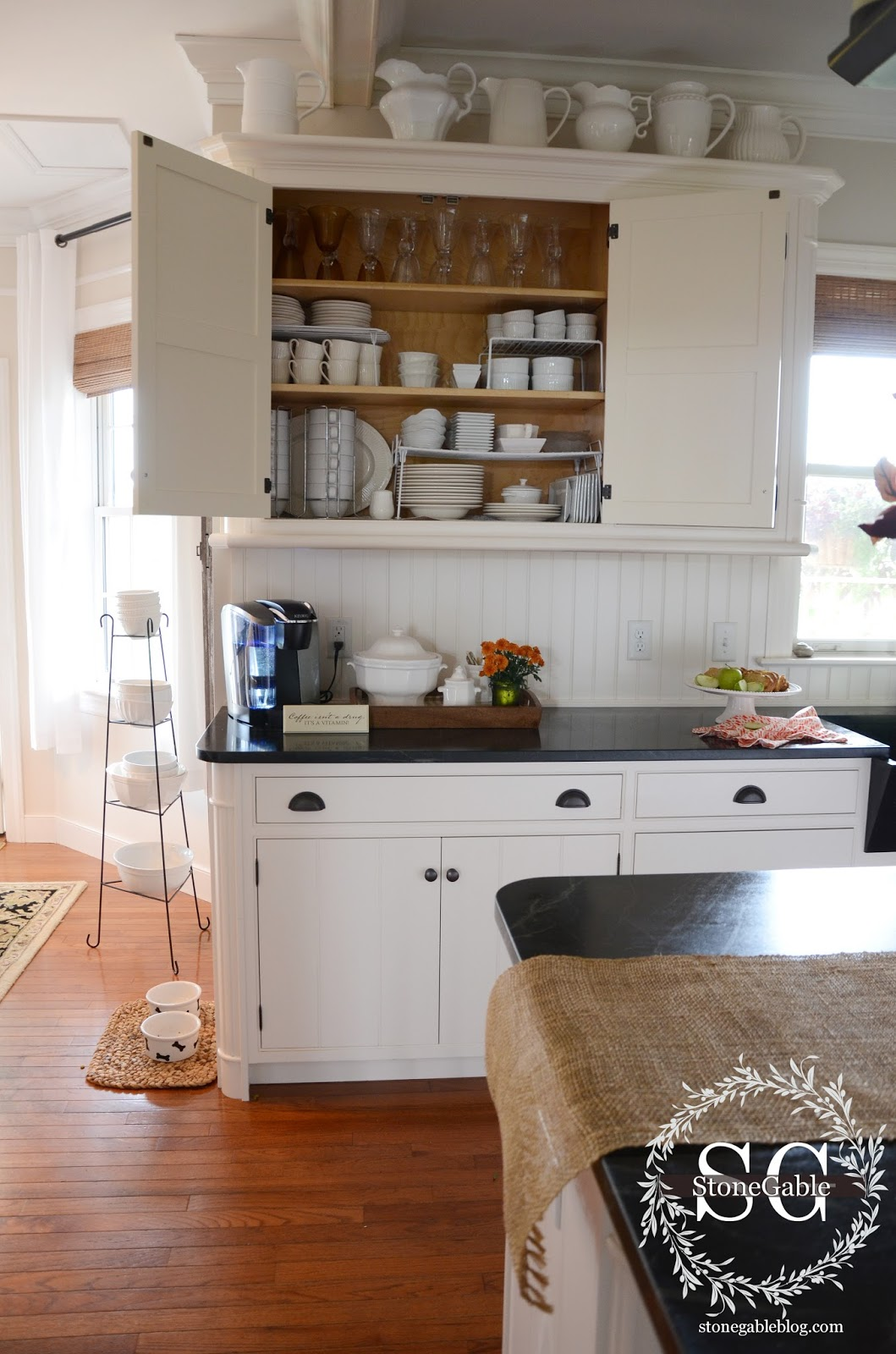 ALL ABOUT THE DETAILS KITCHEN HOME TOUR - StoneGable