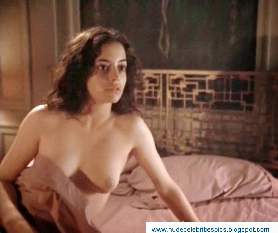 naked pics of emmanuelle vaugier