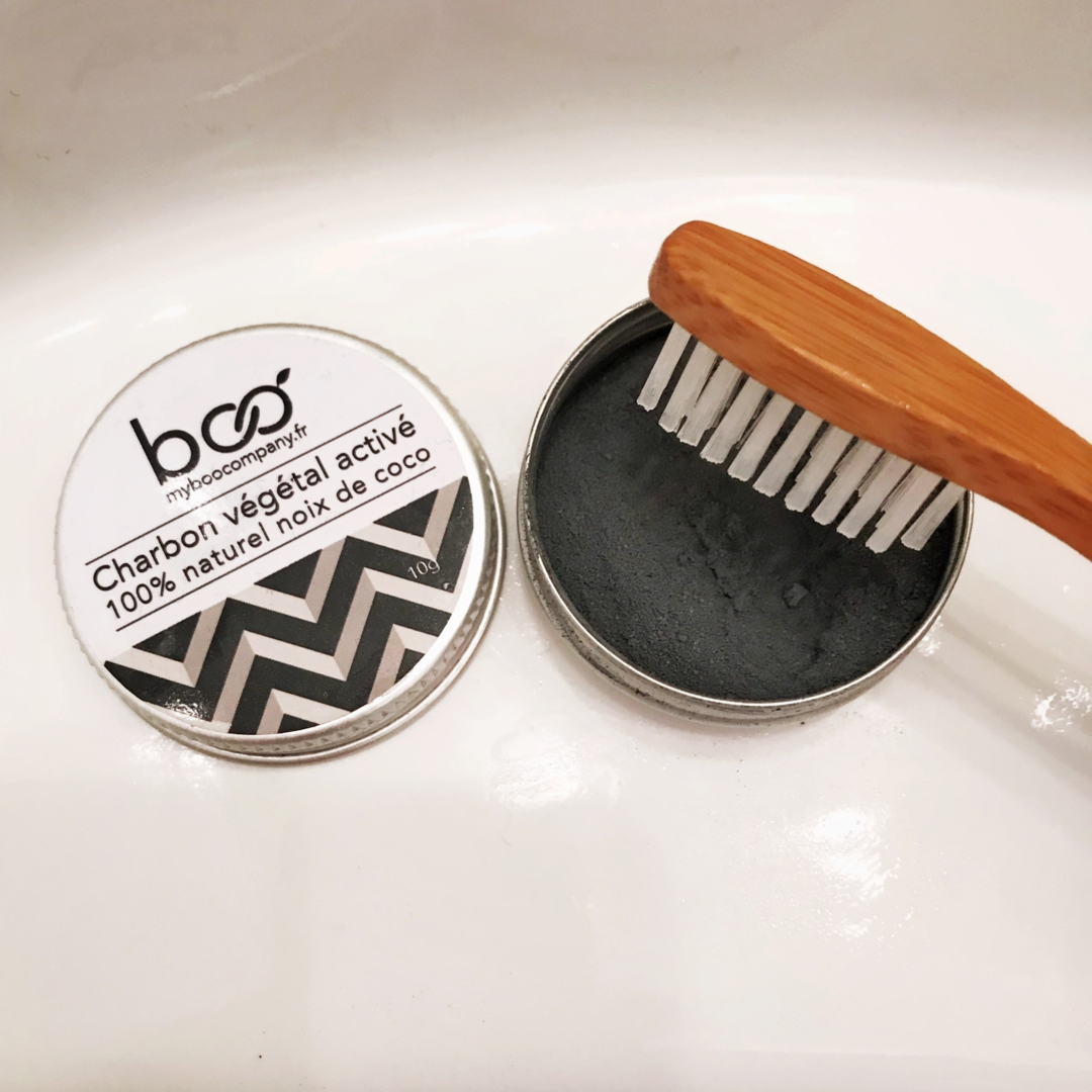 le charbon naturel pour blanchir ses dents autour de clelia. Black Bedroom Furniture Sets. Home Design Ideas