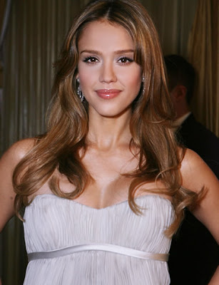 Hollywood Actress Jessica Alba Wallpaper