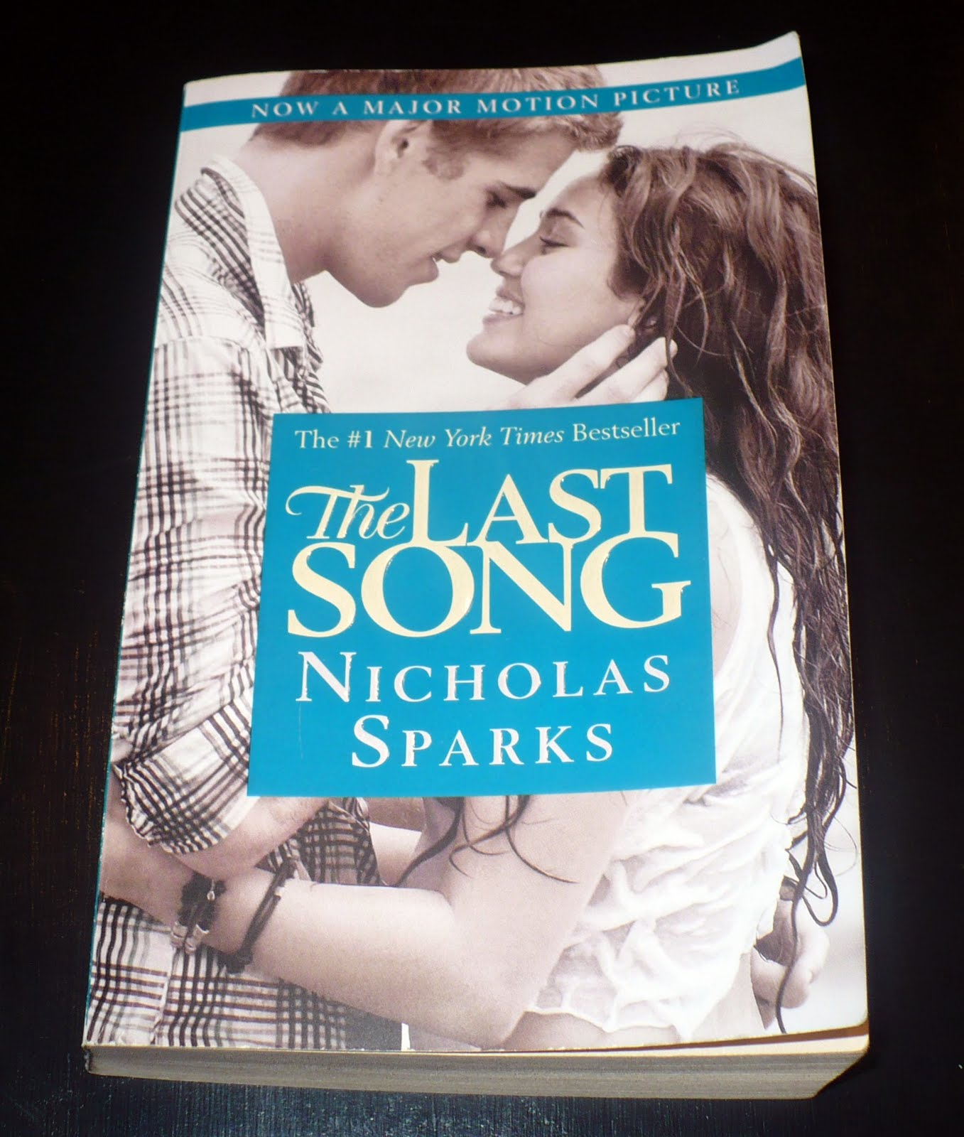 nicholas sparks writing style For nicholas sparks, the secret to success on both bookshelves and the big   here, he discusses writing for his readers, crossing genres, and.