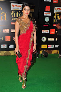 Actress Shriya Saran Latest Pictures in Red Saree at IIFA Utsavam Awards 2016  25288)