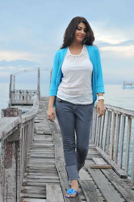 sarah sharma glamour  images