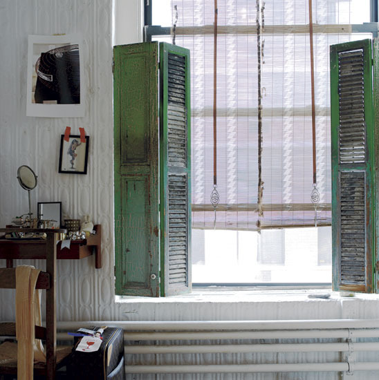 Automatism boho loft chic - The rolling shutter home in bohemia ...