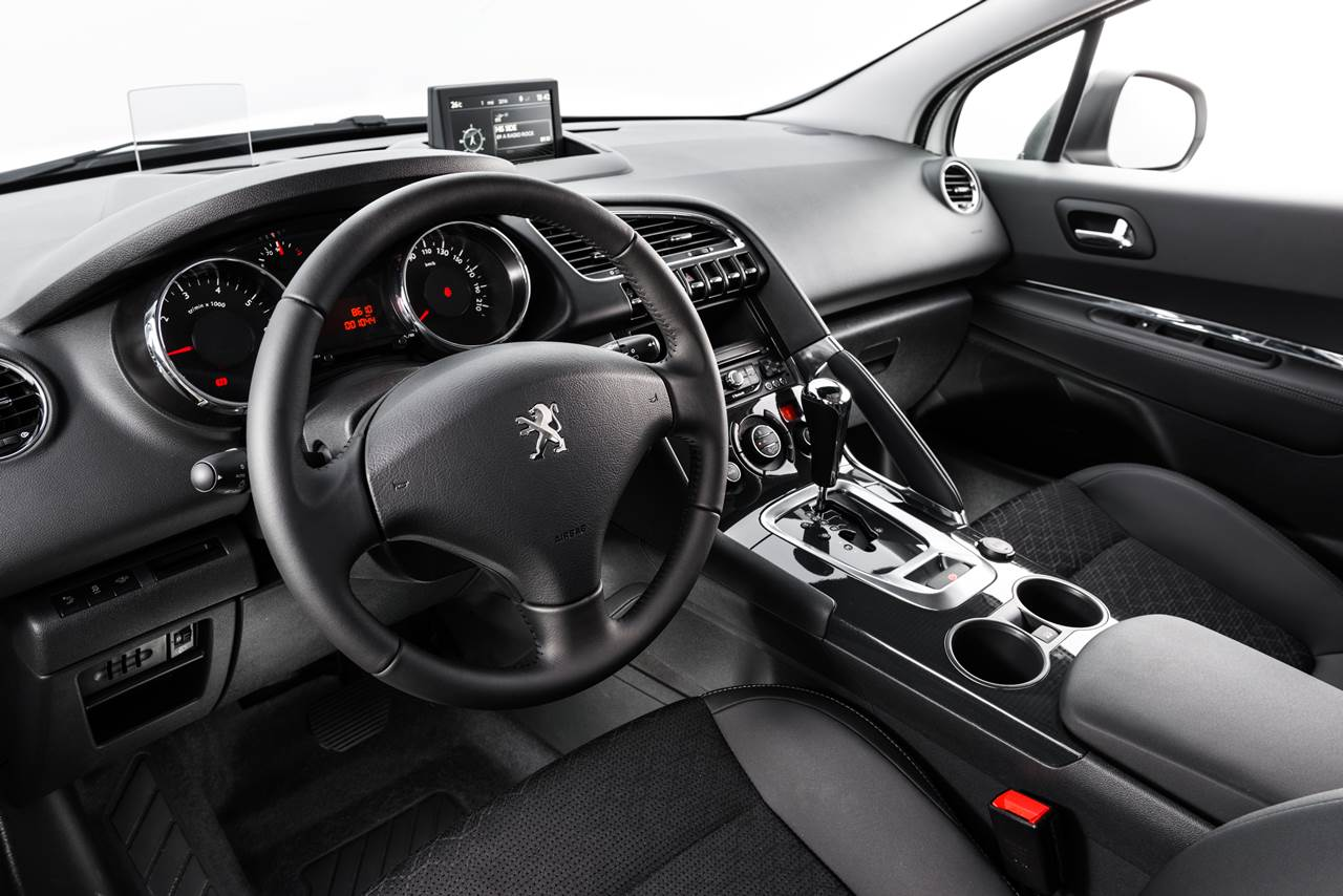 3008 Peugeot