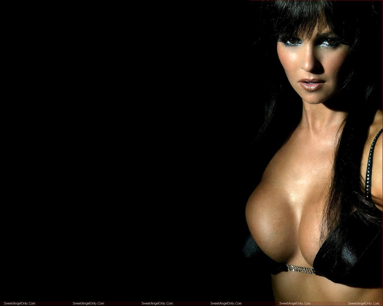 http://2.bp.blogspot.com/-XNZWXzObZjw/TWZR6YYENEI/AAAAAAAAEng/q_ad1xei8IQ/s1600/actress_jennifer_ellison_hot_wallpapers_in_bikini_sweetangelonly_10.jpg