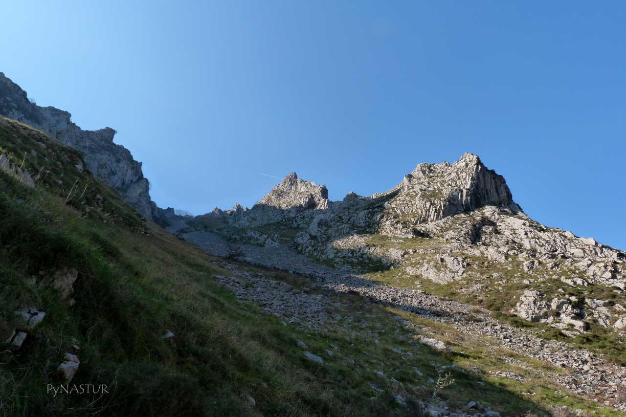Subiendo a Ambingue - Ponga - Asturias