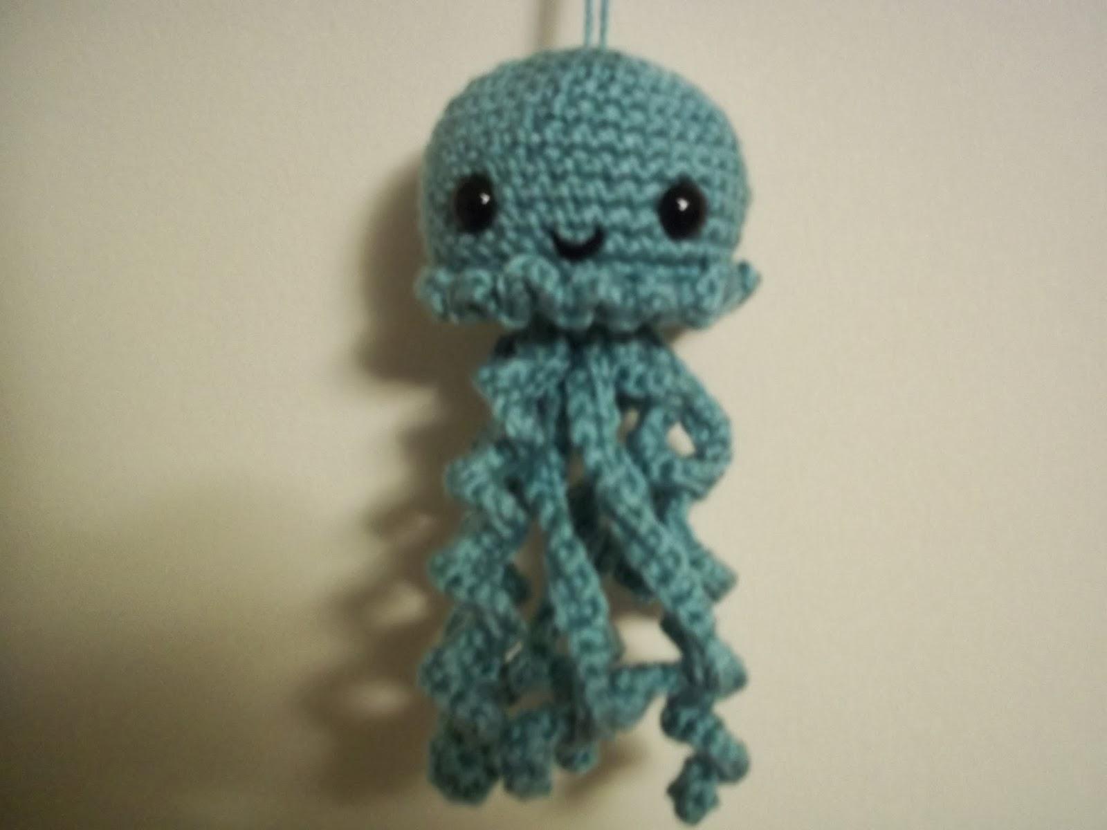 Eden is only a dream away: Cute Crochet Jellyfish Amigurumi Pattern