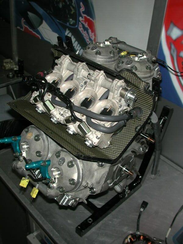 2002 YAMAHA GP500 V4 2 STROKE ENGINE - YAMAHA YZR 500 V4 2-STROKE ENGINE