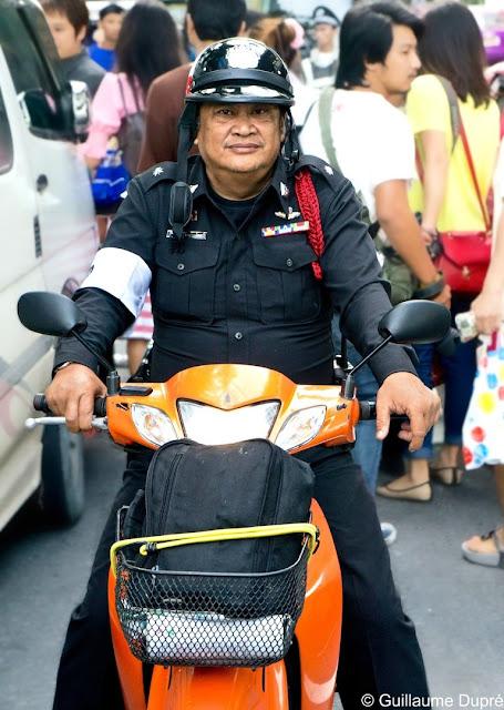 Policier à Bangkok en Thailande
