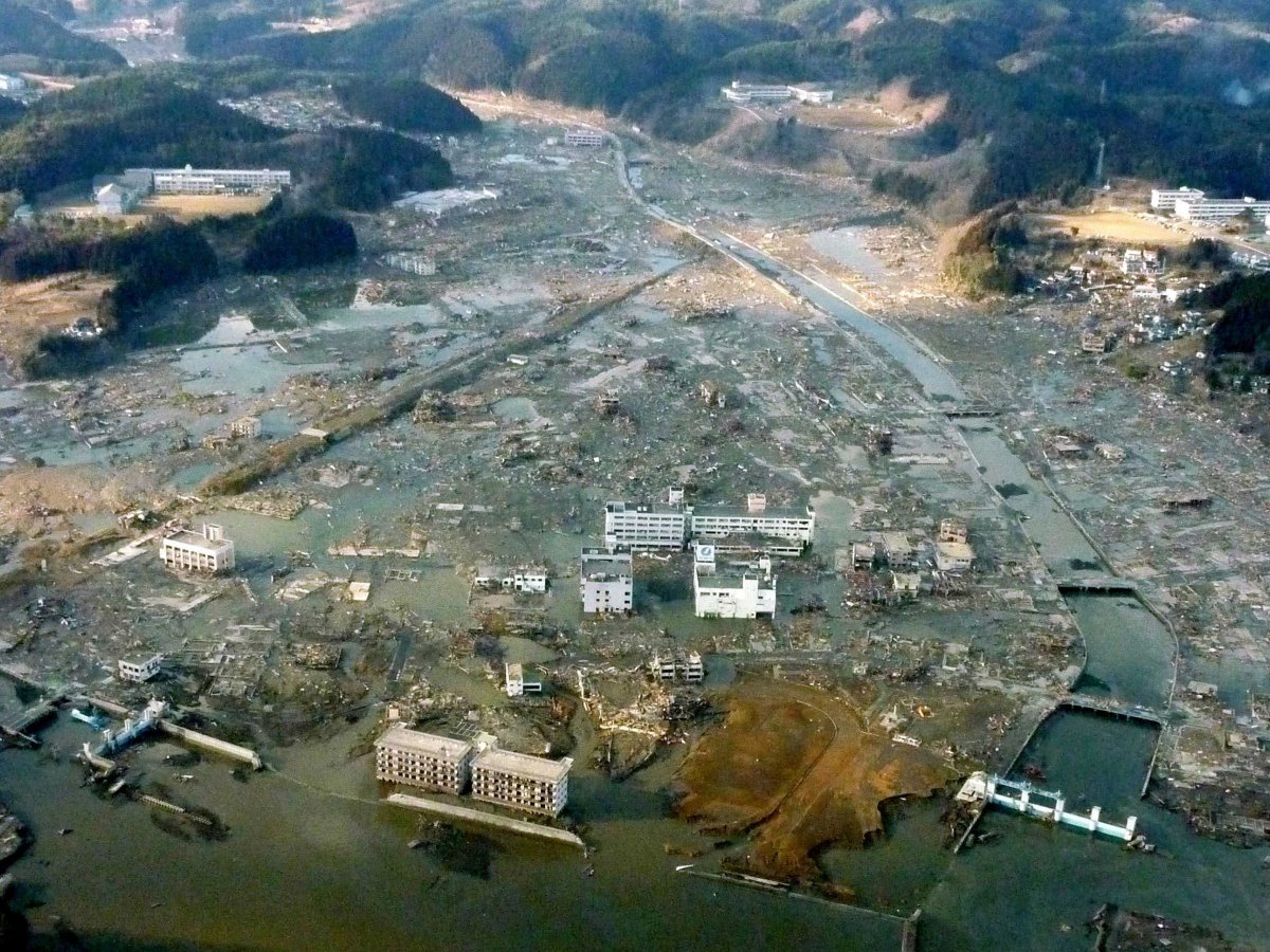 japan tsunami 2011 The magnitude 90 earthquake that struck japan on march 11, 2011, was unprecedented in the modern history of japan, according to scientists at the us.