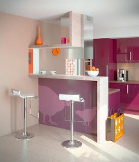 como decorar uma cozinha pequena roxa