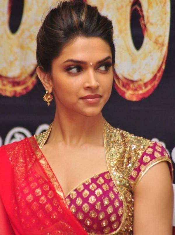 deepika padukone hot and sexy photos in sharee