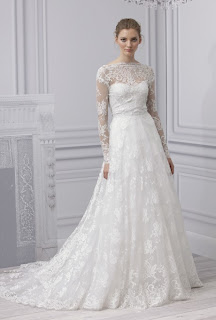 Manuel Mota, lace and long sleeves