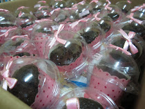 muffin choc chip + dome casing +ribbon