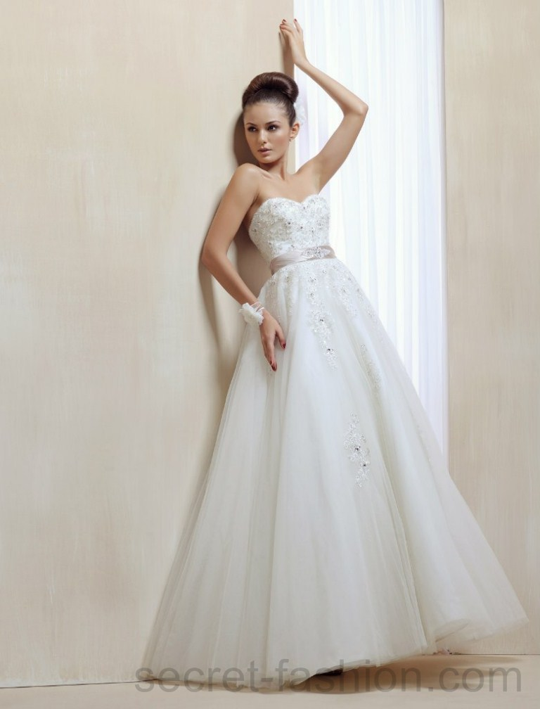Elegant Wedding Dresses Images : Wedding dresses most simple elegant