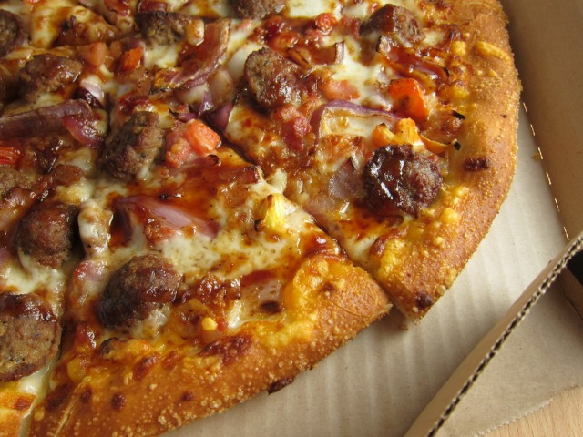 bbq chicken deluxe pizza bbq chicken pizza grilled chicken pizza bbq ...