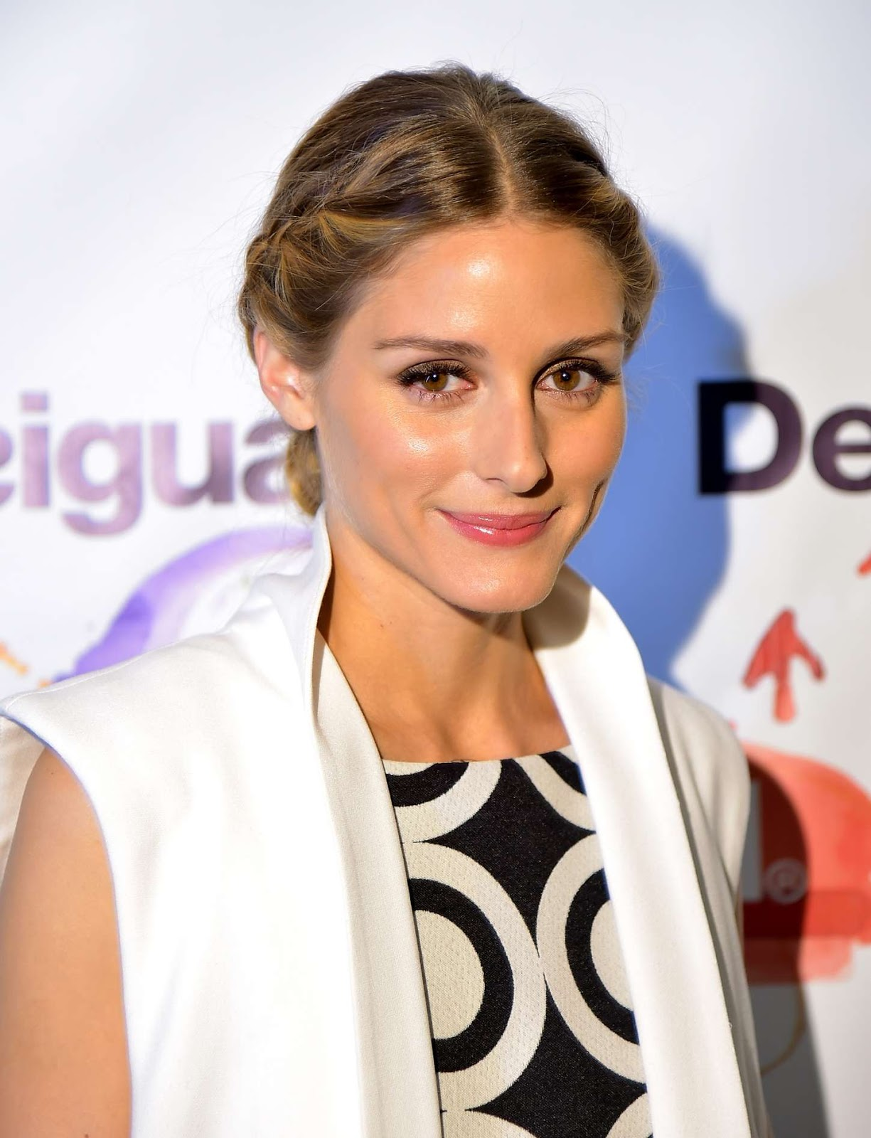 American actress Olivia Palermo Full HD Photos & Wallpapers