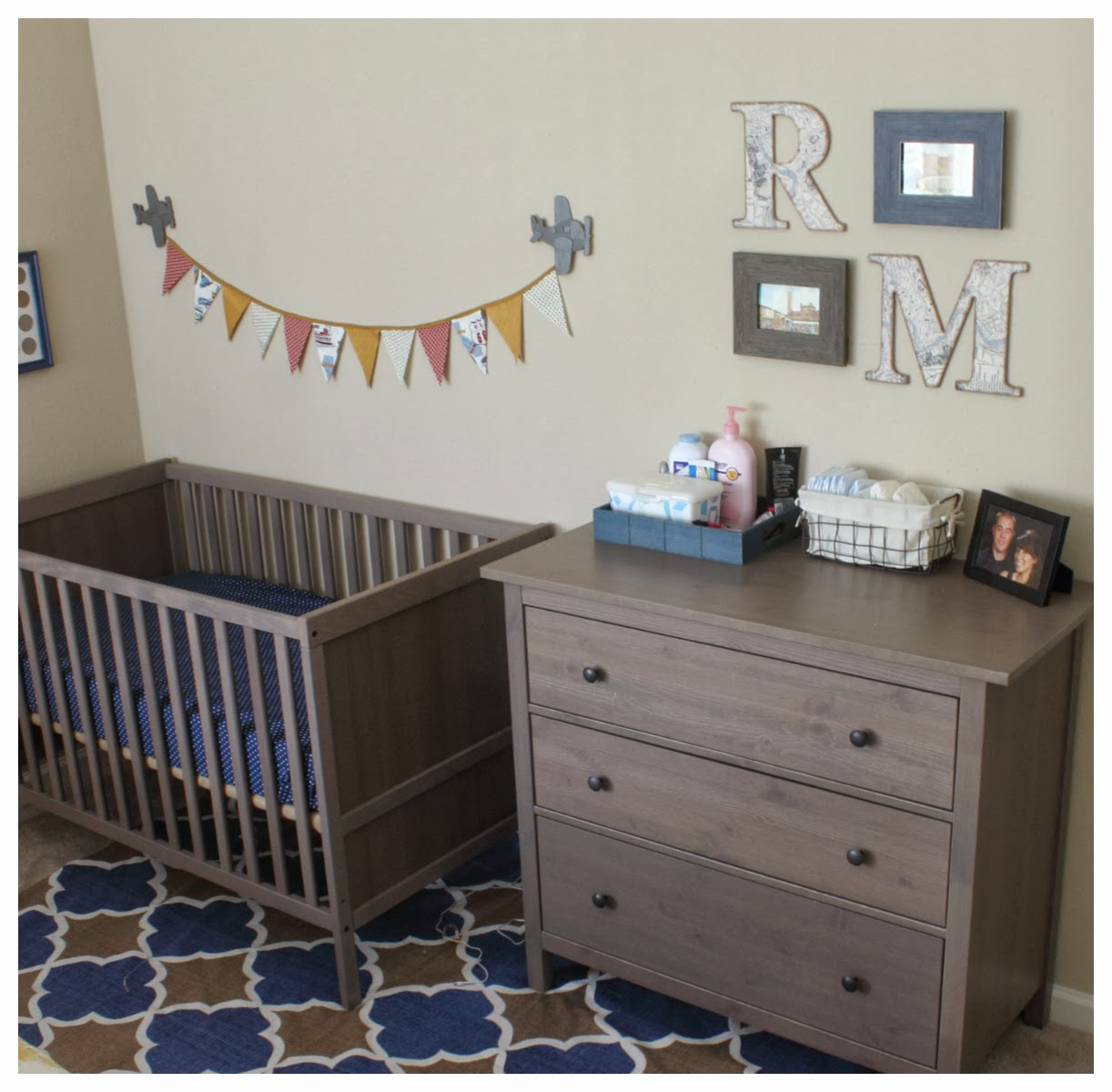 make it cozee little man 39 s cozy little nook. Black Bedroom Furniture Sets. Home Design Ideas