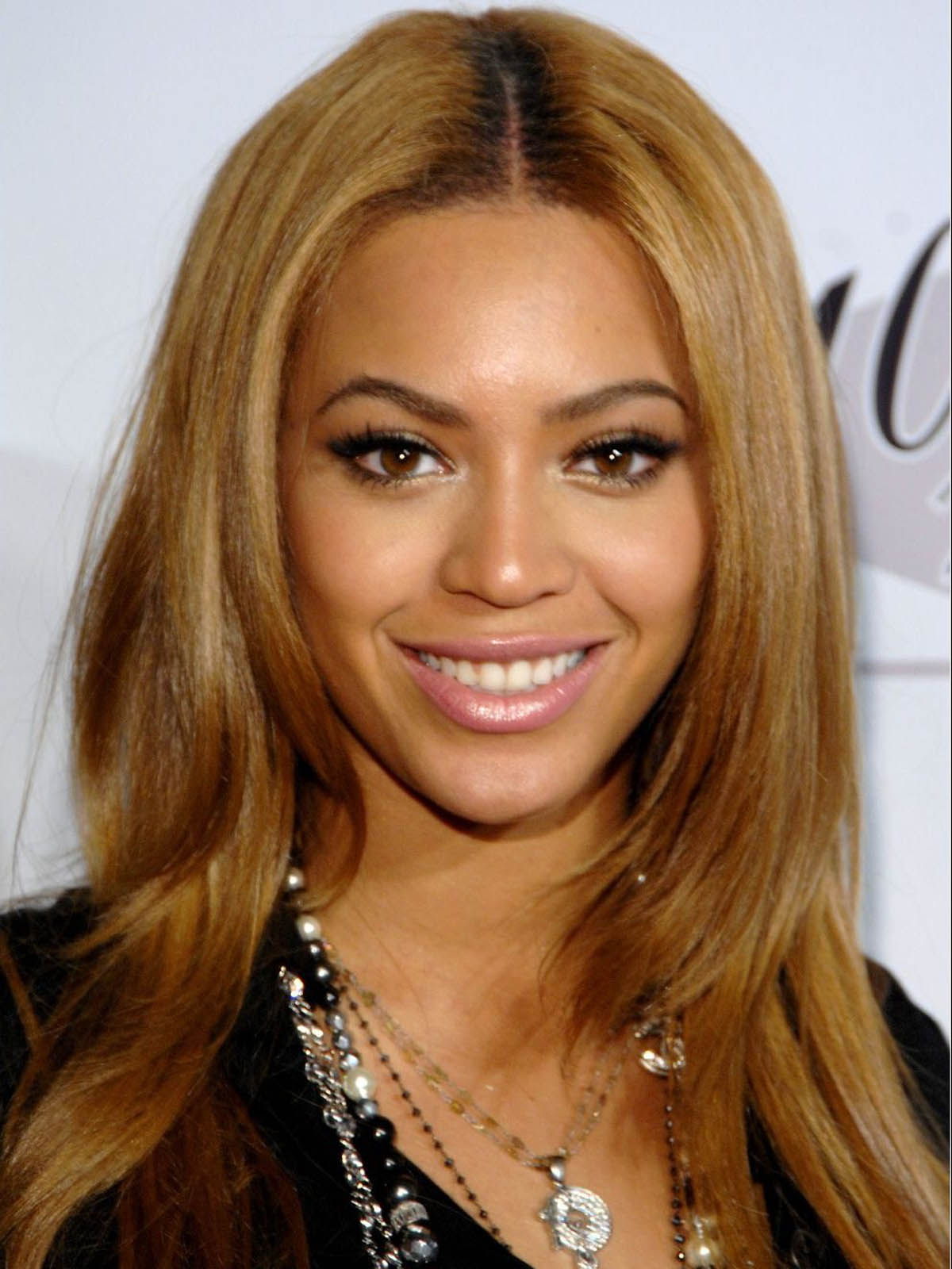 http://2.bp.blogspot.com/-XOpnDMsAzIU/USsn22KffbI/AAAAAAAAGus/e18I4F47olA/s1600/Beyonce+Knowles+Hot+Photos+(3).jpg