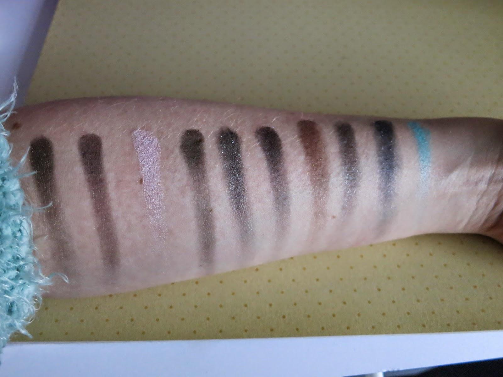 NYX 10 colour eyeshadow palette haute model